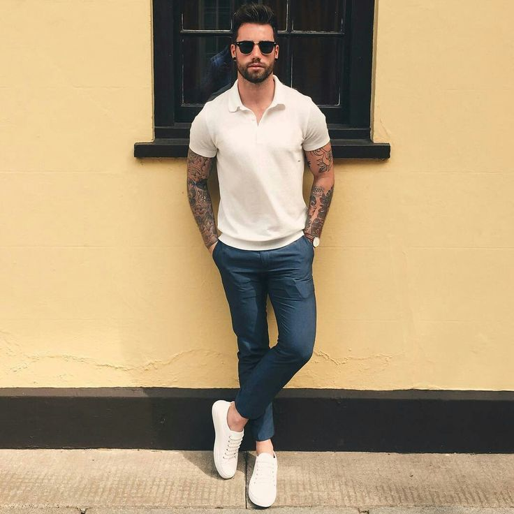 Sporty white polo shirt, casual comfortable white shoes pairs well in slim navy pants.