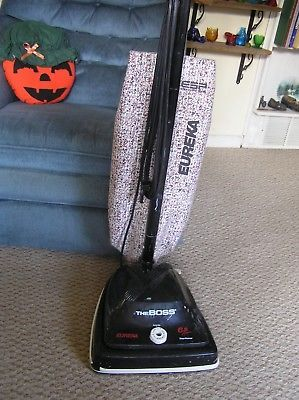 VINTAGE EUREKA UPRIGHT VACUUM 6.5 AMPS THE BOSS 2034 MADE IN USA!!