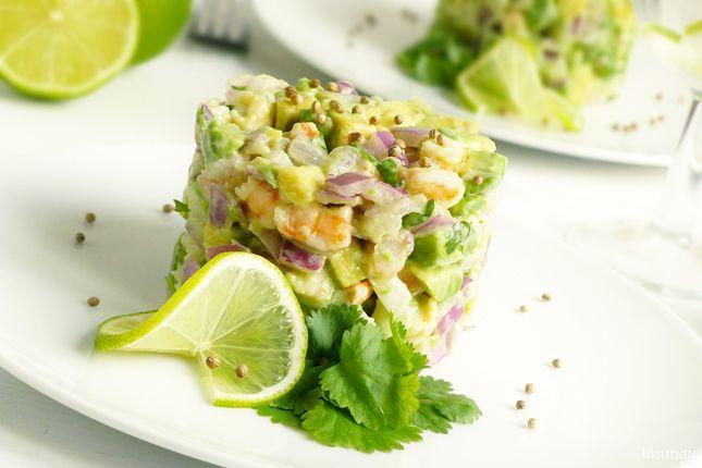 Продолжая тему здорового питания, которая на этой неделе доминирует в блогах моих друзей, хочу показать вам вкусный, полезный и легкий во всех отношениях салат из…