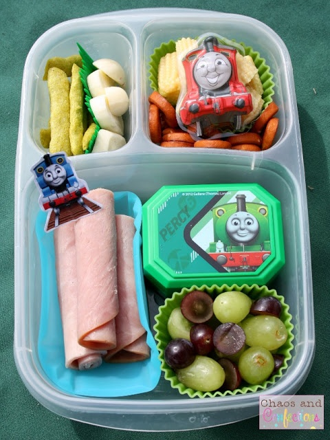 Pre-School Lunches On the Go - I know this is supposed to be preschool, but it looks yummy to me!