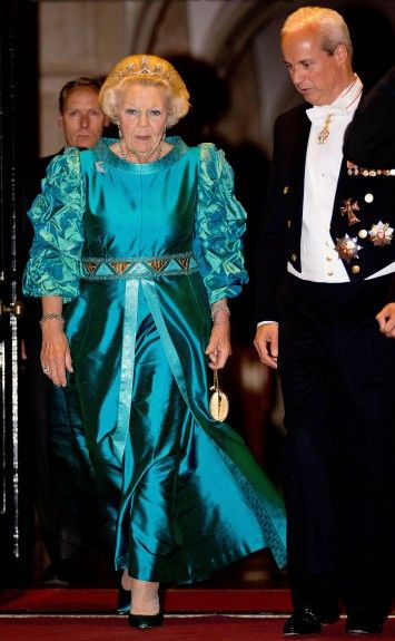 24-06-2015 Diner Princess Beatrix leaving the gala dinner for the members of the Corps Diplomatique at the Royal palace in Amsterdam.