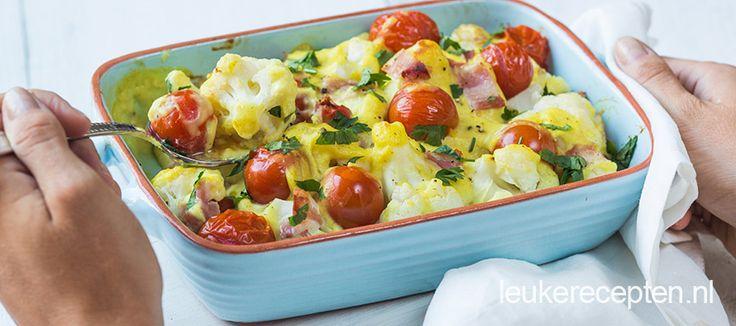 Bloemkoolroosjes met spek en tomaatjes in een heerlijke romige kerriesaus