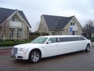 Complete Your Special Day with Limousine Hire in Melbourne