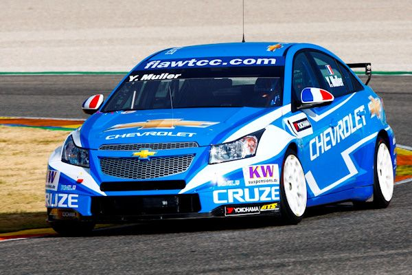 Chevrolet test 2012 Cruze at Valencia   Yvan Muller, Rob Huff and Rickard Rydell have begun testing at Valencia ahead of the opening round of the 2012 FIA World Touring Car Championship next month at Monza, with Chevrolet sporting their revised livery.