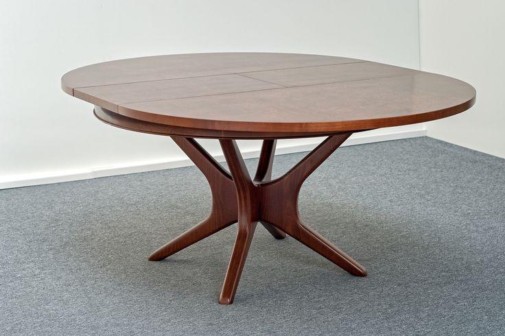 Egyedi kinyitható design asztal