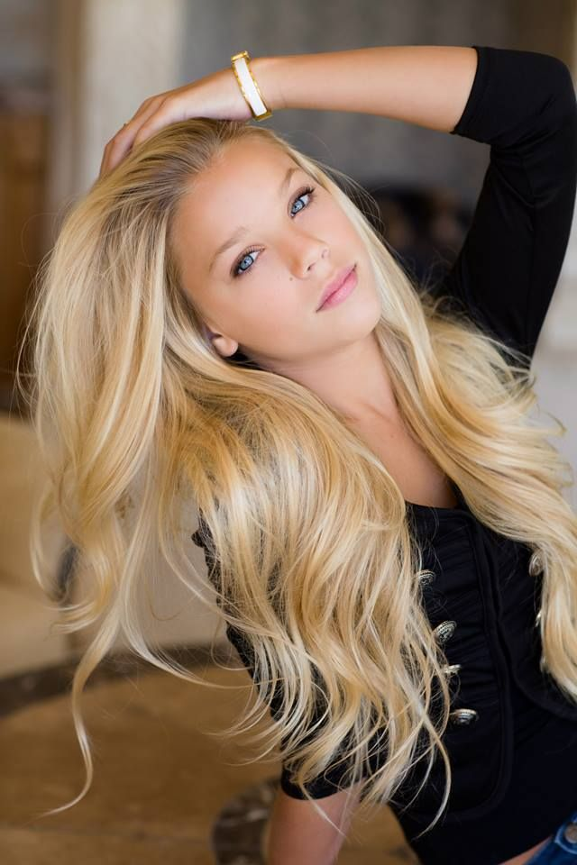 I ❤ Remy Clips - Clip-in Remy Human Hair. 18 to 24 inches long, up to 360 grams of hair. See our entire line of quality Grade 6A+ hair extensions. www.remyclips.com