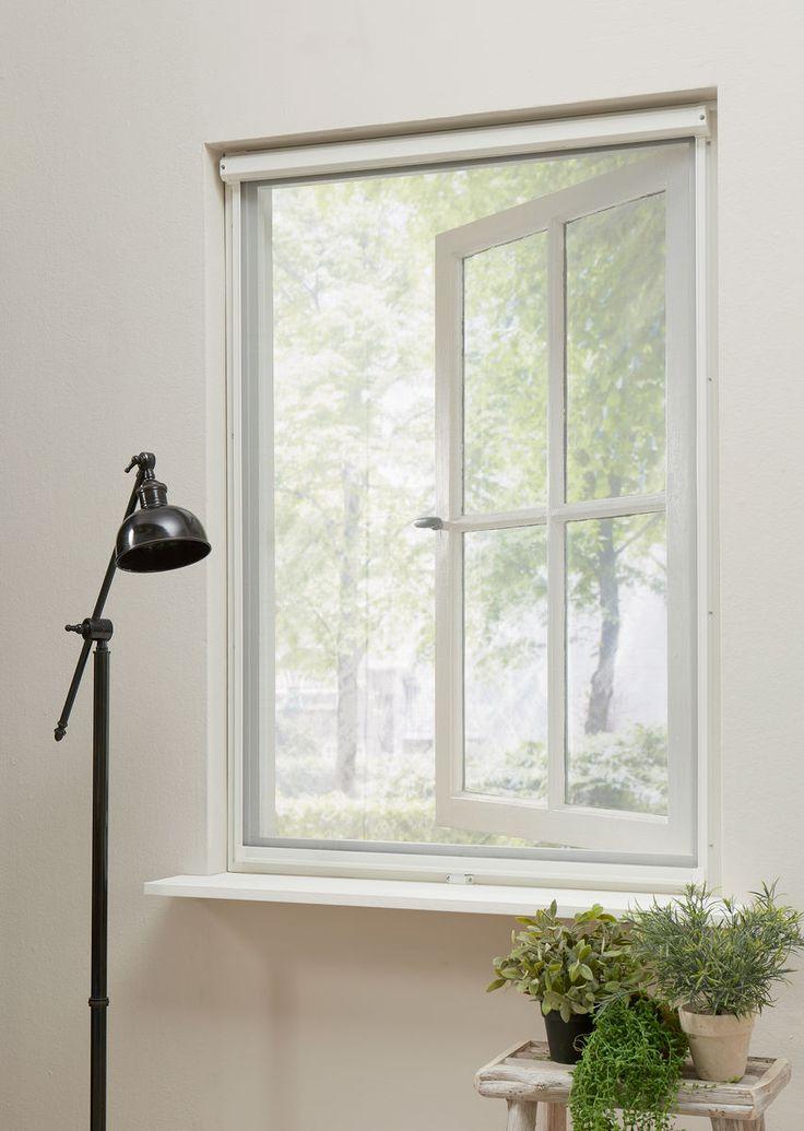 Het een hor geniet je van frisse lucht binnenshuis zonder dat er insecten of pollen naar binnen komen. Overal te plaatsen in huis, zo wordt een huis een thuis.