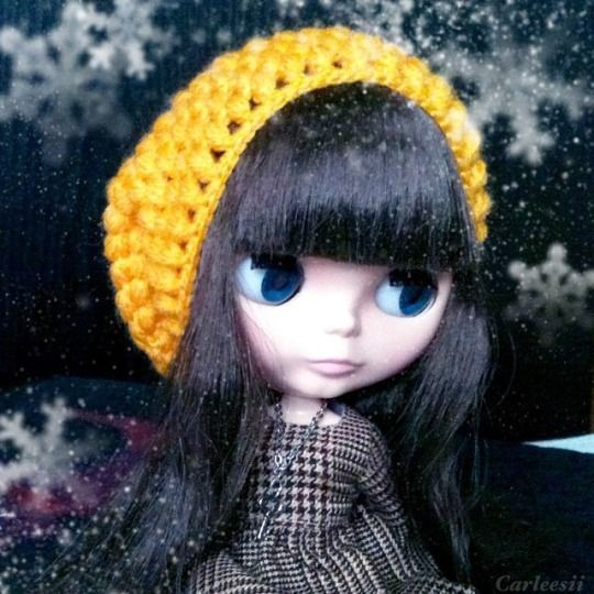 Carleesi - crocheted beanie hat for Blythe doll