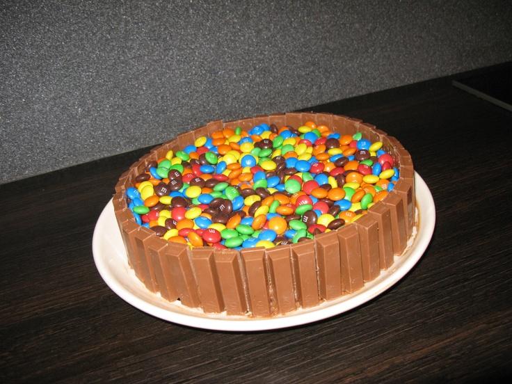 De M, Kitkat choco taart zelf nagemaakt, erg machtig!!