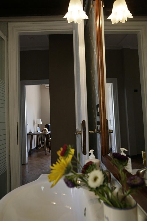 VRBO.com #837095ha - In the Heart of Rome. Panoramic and Elegant Flat in a Quiet Street.