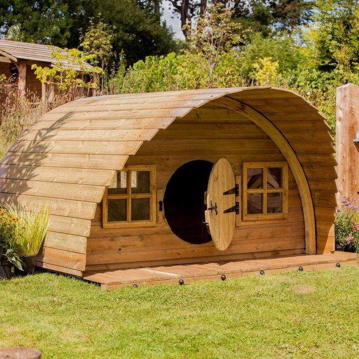 Hobbit shed garden ideas pinterest sheds and hobbit for Modern hobbit house
