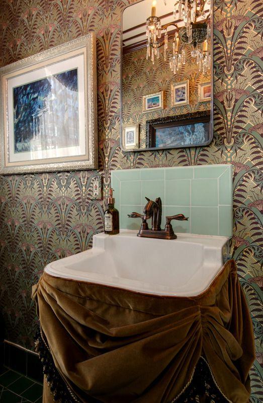 Haunted Mansion Bathroom Makeover http   disneytravelbabble com blog 2016. 17 beste ideer om Mansion Bathrooms p  Pinterest   Luksus og