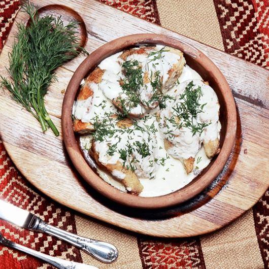 Чкмерули (цыпленок в сванской соли с чесночно-сметанным соусом) Тина Канделаки