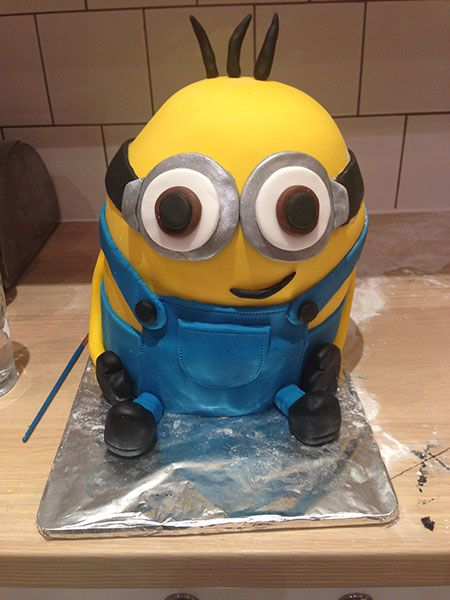 Minion Cake Decorations Uk : 25+ best ideas about Minion Cake Tutorial on Pinterest ...