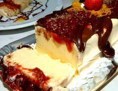 Delicia gelado e de Maracujá com calda de chcocolate
