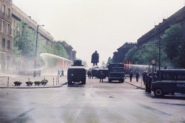Aleja Róż, 1983
