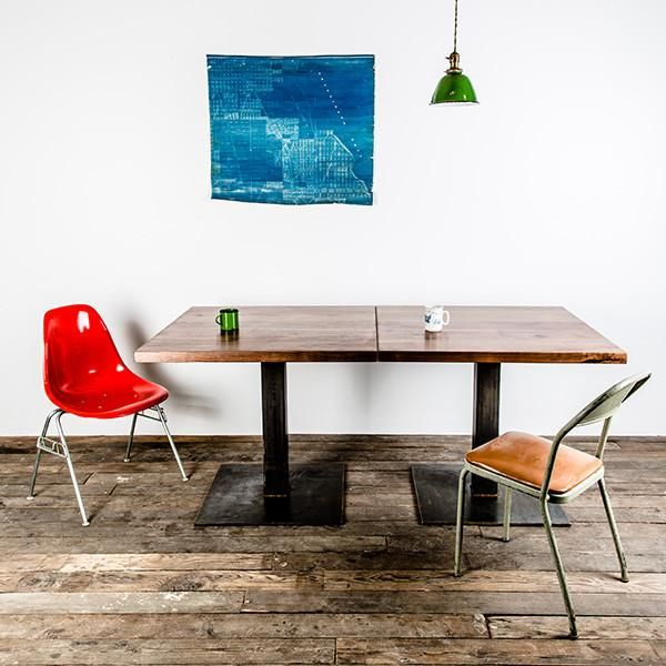 Our wood Bistro table is a great solution forsmall spaces, whether it be residential, commercial or public.Keep it asa single square table or pairthem together for flexiblegroup seating.