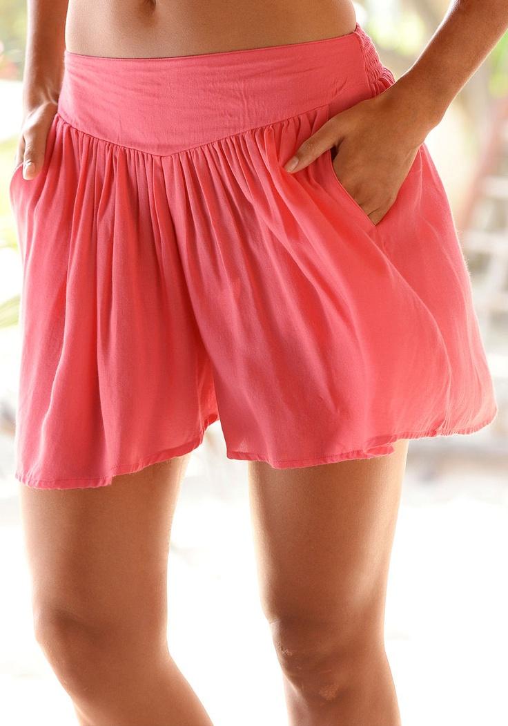 Sieht aus wie ein Rock, ist aber eine Hose. Hinten mit elastischem Smokbund. Seitliche Taschen. Innere Beinlänge ca. 6 cm.