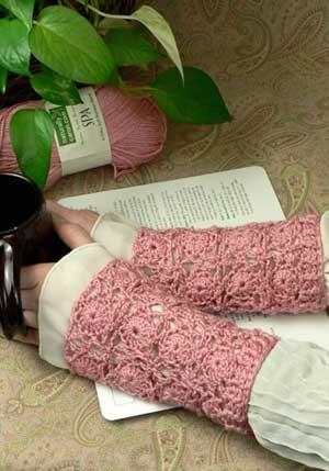 http://www.pianetadonna.it/blog/fai-da-te/schemi-maglia-e-uncinetto-per-guanti-eleganti-e-da-sposa.html