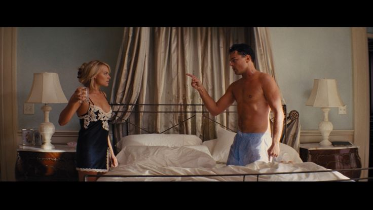 Margot Robbie And Leonardo Dicaprio In The Wolf Of Wall