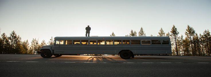 Desde Realestilodevida en la sección de Turismo, te traemos... Autobús escolar convertido en casa móvil