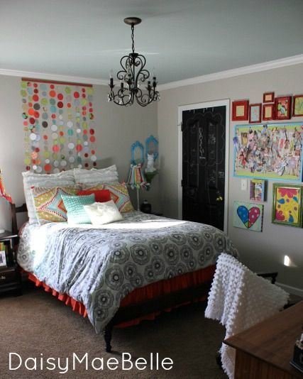 diy projects for teen girls | ... bedroom has a ton of fun DIY tutorials hidden within! Check it out