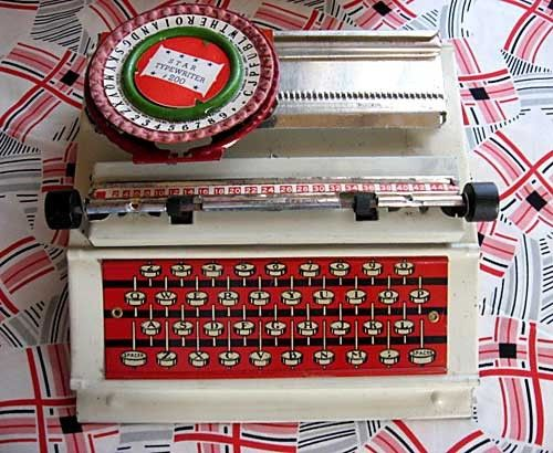 tin toy typewriter, circa 1940