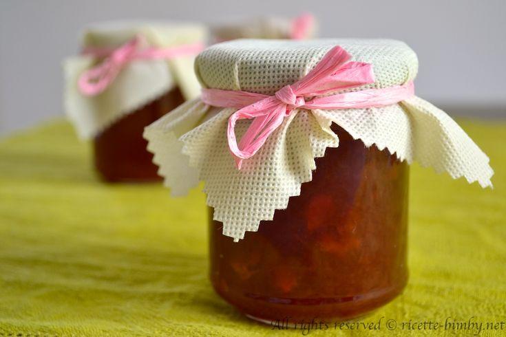 Vuoi preparare una marmellata fatta in casa? Ecco la ricetta che fa per te: la marmellata di pompelmo rosa, che adattata al bimby risulterà facilissima.