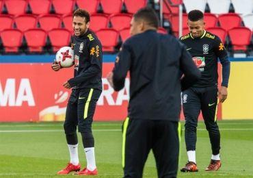 Neymar se entrena con Brasil en el Parque de los Príncipes de París http://informe21.com/deportes/neymar-se-entrena-con-brasil-en-el-parque-de-los-principes-de-paris?utm_content=buffercb8c5&utm_medium=social&utm_source=pinterest.com&utm_campaign=buffer