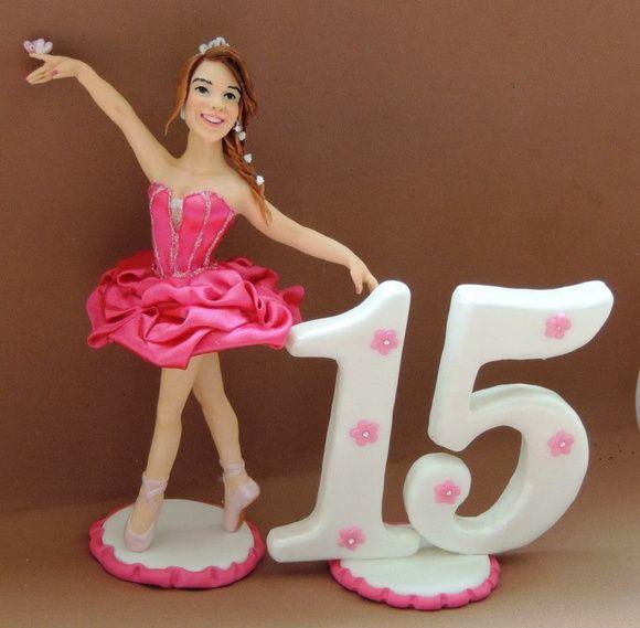 Topo de bolo debutante bailarina  boneca esculpida em biscuit, vestido rosa em cetim ,  todos detalhes personalizados de acor do com informações e fotos da cliente. R$ 100,00