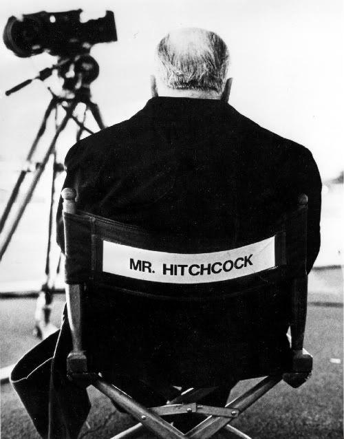 - Hitchcock  De master of suspence. Deze titel mag hij met eer dragen. Hij was een van de beste in het opbouwen van spanningen en het experimenten van kadrering en cameravoering.