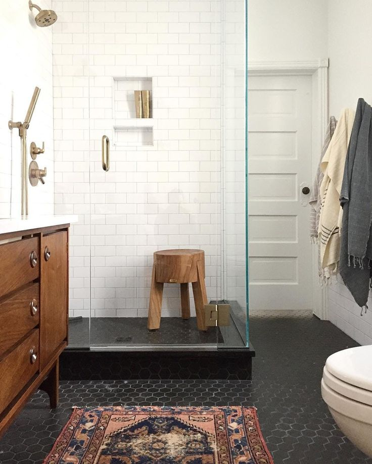 Remodeling Recipe: A Fail-Proof Combo for an Elegant, Classic Bath picture from Annabode