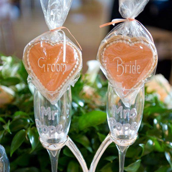 Bride and groom biscuits as wedding favours #wedding #weddingvenues #weddingdress #summer