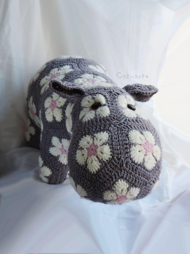 Вязаный бегемот из африканских цветов  Амигуруми, вязание крючком, ручная работа, лоскутное вязание  African flower crochet hippo  handmade