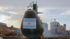 Con cuatro aviones desplegados -entre ellos, un P3 de la NASA y un Hércules C-130 de la Fuerza Aérea-, dos corbetas, un barco destructor, varios helicópteros, más de 500 marinos en los medios navales y aeronavales de búsqueda y otros tantos apostados en las distintas bases, la Armada Argentina no podía localizar hasta anoche el submarino ARA San Juan, que perdió todo contacto en la mañana del miércoles. LEER MAS