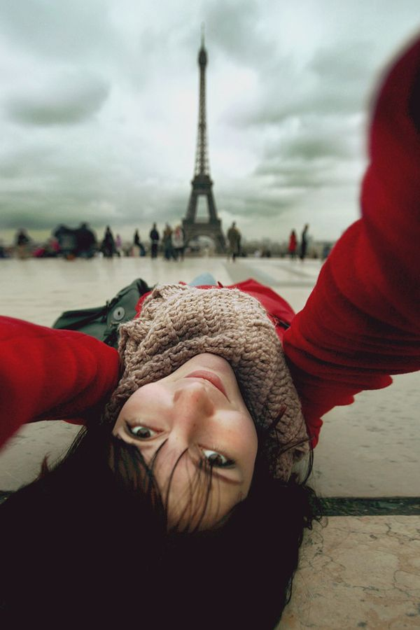 a cool Eiffel tower self portrait ( by Nastia irrr Sokolova )