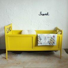 Vintage baby bed - atelierdupetitparc.fr Choose your colours here http://www.plascon.co.za/colour/