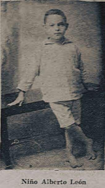 Encontré ésta foto del niño Alberto León, fue publicada con motivo de la desaparición del pequeño, que era vecino del Barrio Bolívar en San José.  Que triste, ojalá y lo hayan encontrado.  Diario de Costa Rica, marzo 1931.  SINABI