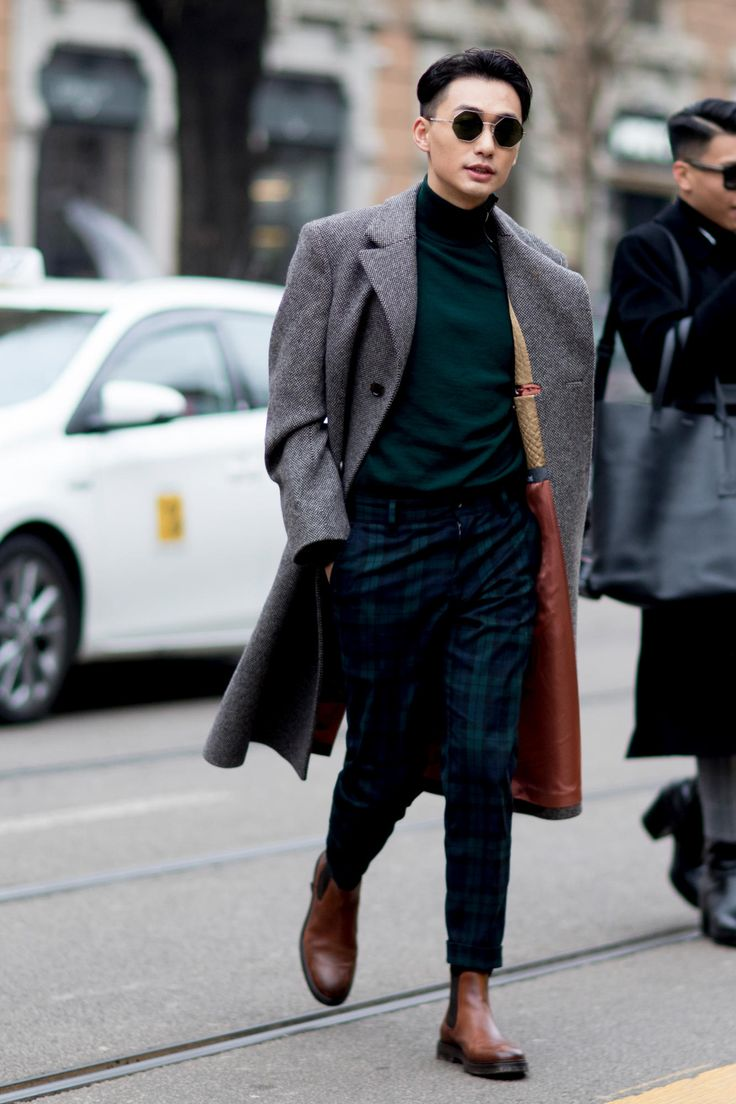 The Street Style Crowd Wore Pops of Orange at Milan Men's Fashion WeekMichael Louis