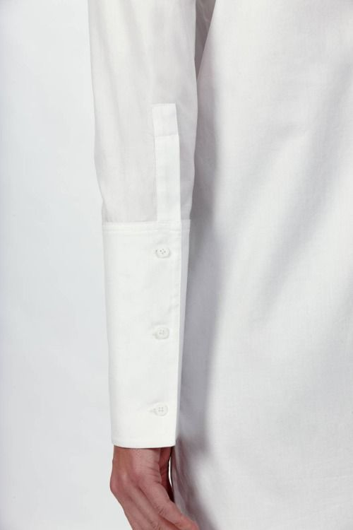 Detailed white sleeve
