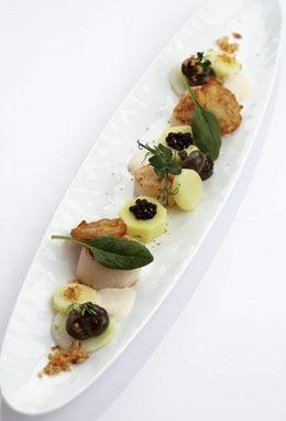 3 x aardappel met gegrilde sint-jakobsvruchten, naamse slakjes en crème van witbier met gerookte paling