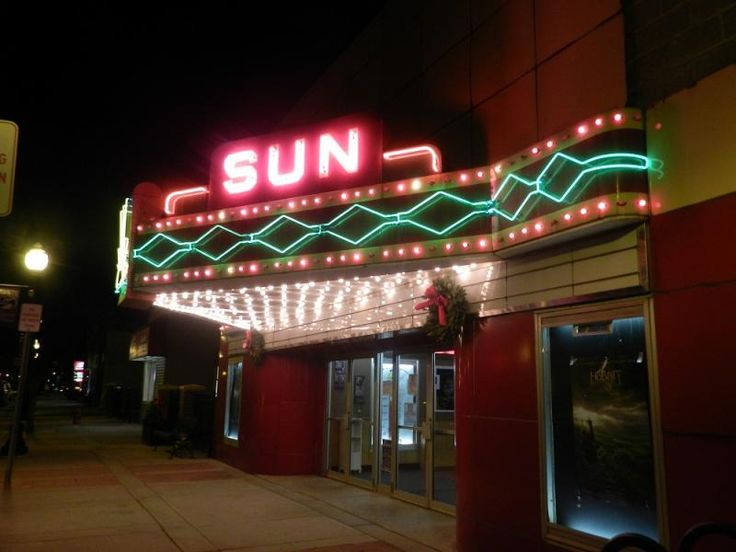 Buy Movie Tickets Online - Oklahoma - Are you wondering which theatres still have discount movie tickets for that movie matinee? Check in with Movieplenty.com before leaving home to save yourself time and money.