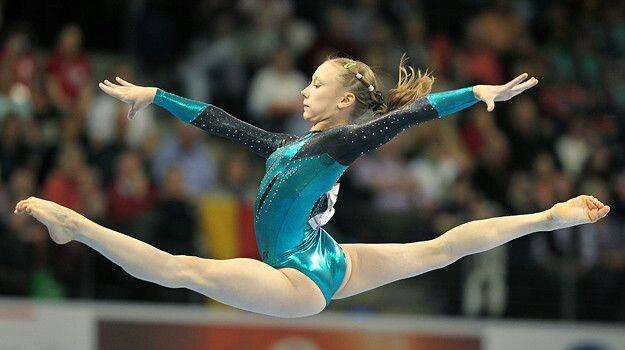 Yulia Belokobylskaya on floor at the 2011 European Championships on floor