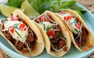 """Tacos au boeuf/Vous aimez les tacos ? Vous ne résisterez pas à cette version """"fait maison"""" expliquée en pas à pas ! Avec cette garniture relevée au bœuf, ce sera assurément une expérience inoubliable !/puresaveurs.com"""