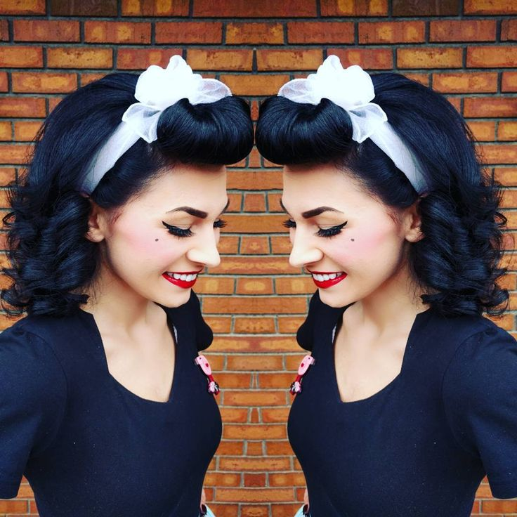 A little bumper bang scarf action to get me through the day ❤️ . . . . . . . #pinup #pinupgirl #pinupstyle #suavecitapomade #pinupdoll #pinupgram #pinuplife #pinupsofinstagram #50s #vintagegirl #rockabillystyle #vintagehair #hairdresser #vintagefashion #rockabilly #cateyes #doll #redlipstick #vintagehairstyle #rockabillygirl #hairstylist #swave #set #1950 #vintage #1940 #40s #vintagehair #bumperbangs #hairswag #backcombing