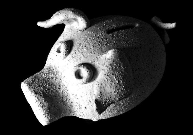 Świnka-skarbonka z ceramiki