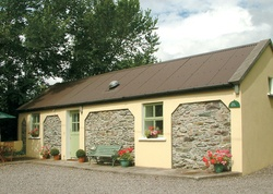 Fleur & Kizzie Cottages, Sunhill, Killorglin, Co. Kerry, Munster. Return to turf fires after hiking in Ireland's highest mountains - at 2 sweet retreats furnished with flair, just outside pretty Killorglin. From €250 for a week self-catering/From €35.71 a night (sleeps 2-6) – www.sawdays.co.uk - +44 (0)7919 982305 #sawdays