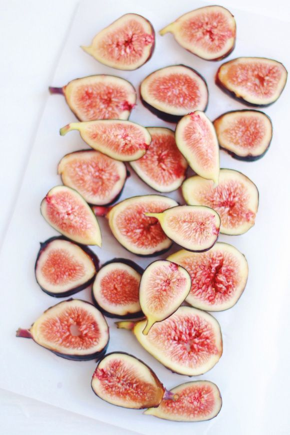 Celebrate Fig Season With a Fig, Pistachio & Roasted Strawberry Smoothie | Free People Blog #freepeople