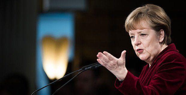 Angela Merkel hat es geschafft, dass sich die Union zerfleischt und die Partei bei den Bürgern immer mehr an Zuspruch verliert. Eigentlich müsste man ihr dafür sogar dankbar sein.