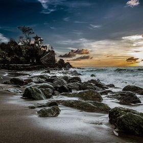 Photo Pantai Senggigi, Lombok by Jeiksen Cornelius on 500px
